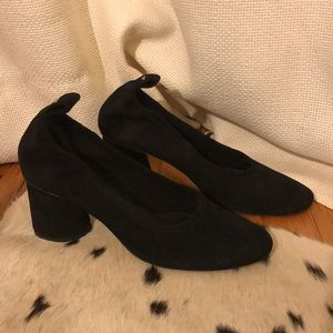 Tory Burch Black Suede Elastic Low Cone Heels 8